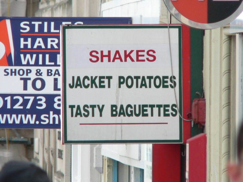 Jacket potatoes (baked potatoes to Americans) are a popular food in the UK and popular fillings (toppings) in the United Kingdom include cheese and beans, tuna mayonnaise, chili con carne, and chicken and bacon.
