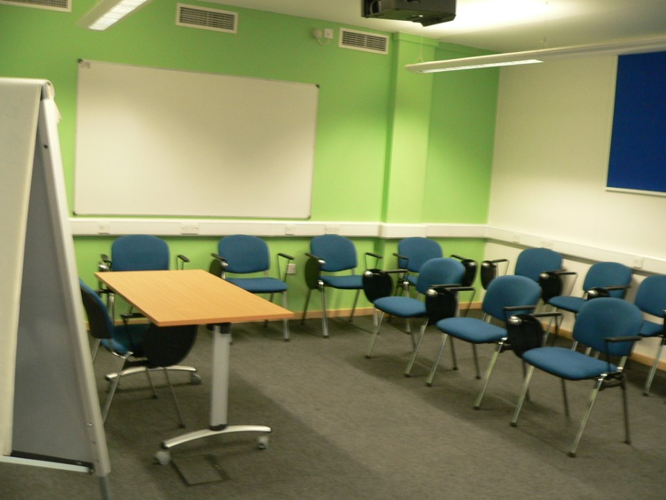 An example of a smaller classroom USAC students may use for class.