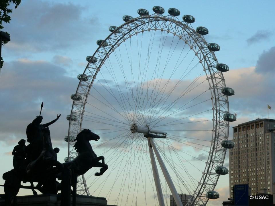 Each of the 32 capsules on the London Eye weighs 10 tons and the wheel itself can move over 800 people per revolution