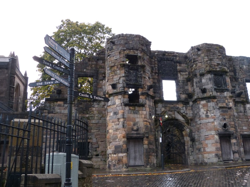 Mar's Wark was built in the 16th century for the hereditary keeper of Stirling Castle. It was even used to house artillery during times of civil unrest.