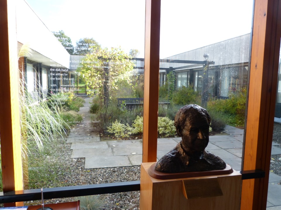 In the buildings around campus you'll find many inner courtyards, perfect for a bit of study on a nice day.