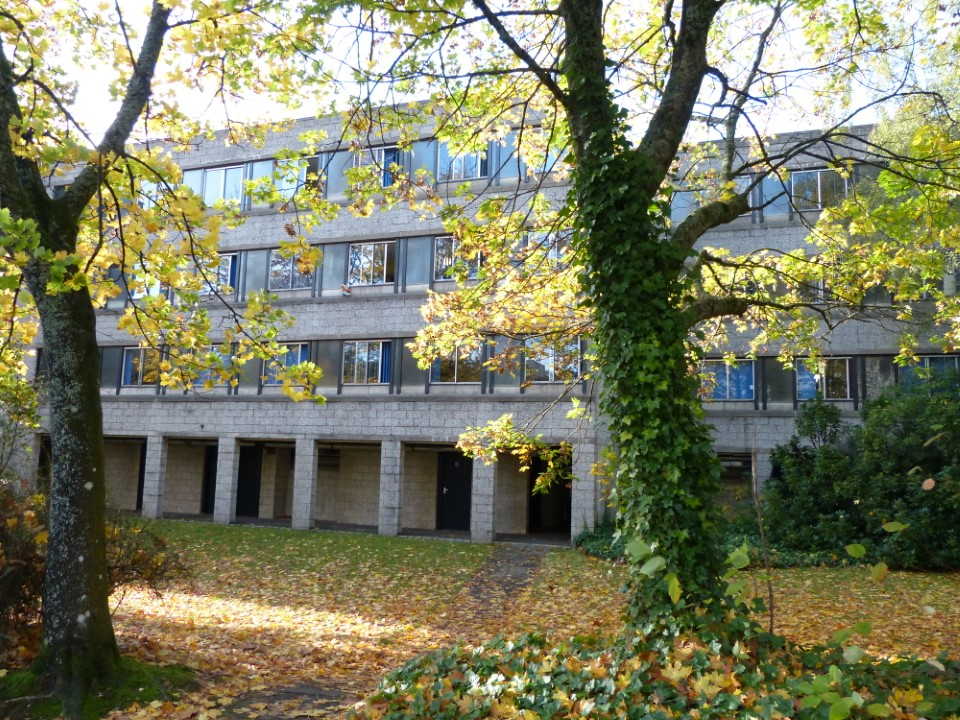The residence halls on the University of Stirling campus are surrounded by nature and provide a peaceful and beautiful living space.