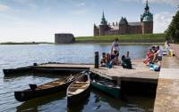 Kalmar is a town dating back 800 years to the Middle Ages. The most prominent landmark, Kalmar Castle, and the town park are favorite locations to hang out for many students.
