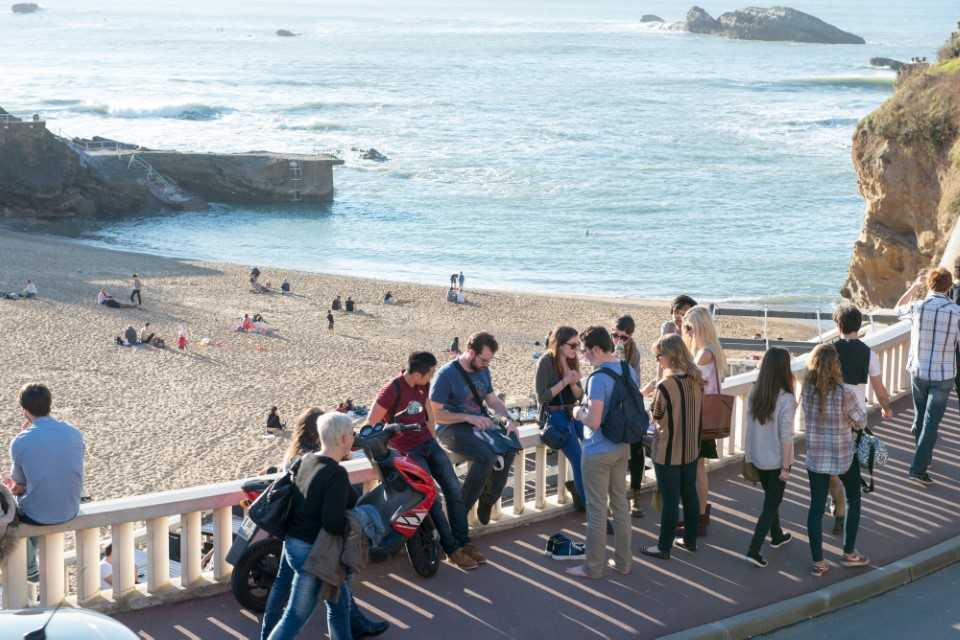 Biarritz is known for its clear blue water and sandy beaches that attract tourists from around the world... like USAC students!