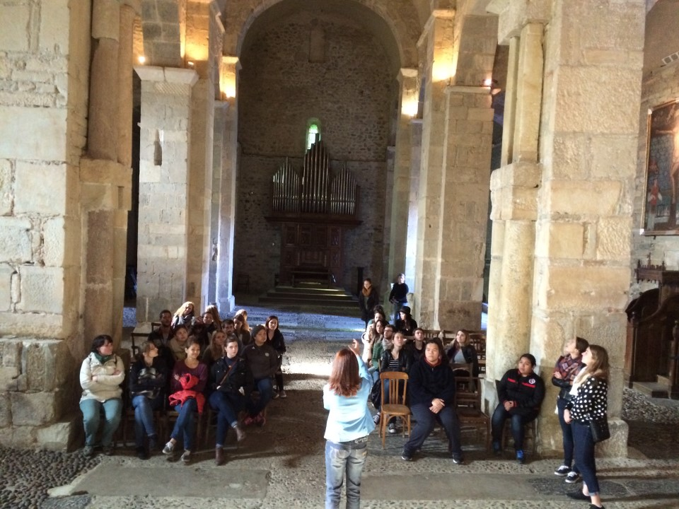 Guided tour of the inside of the cathedral