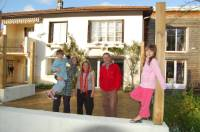 Host familys allow students to experience the life of a french family and learn more about french culture.