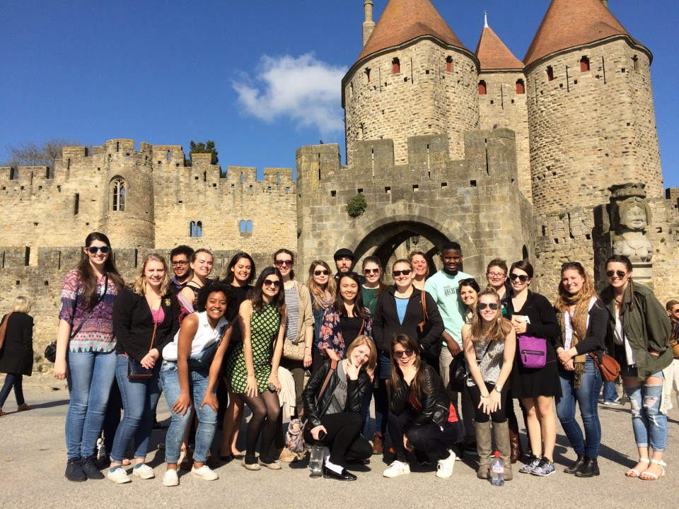 Carcassonne - Photo group in front of the castle