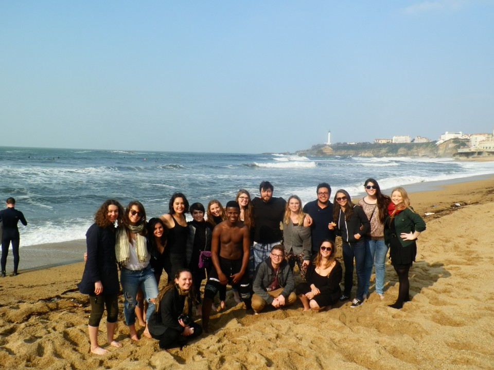 Group picture on the beach