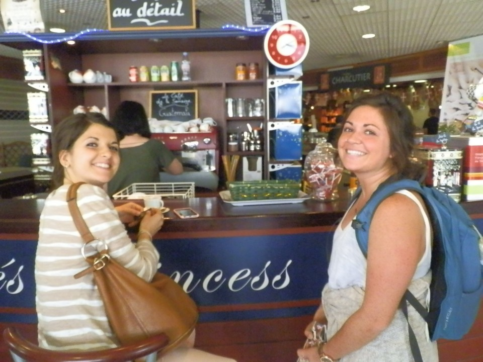 Pauline & Lacey having a coffee after the cheese tasting