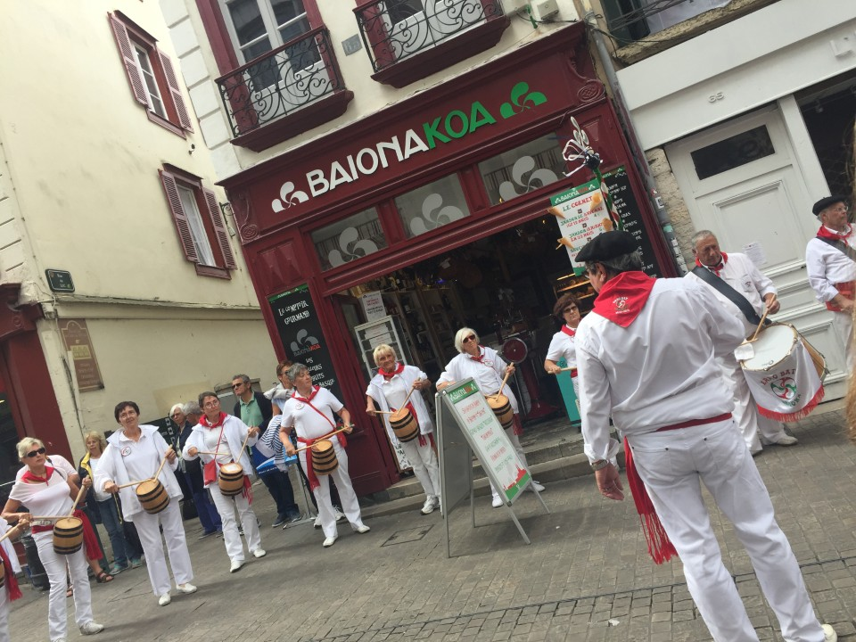 Typical Basque music played live in the streets