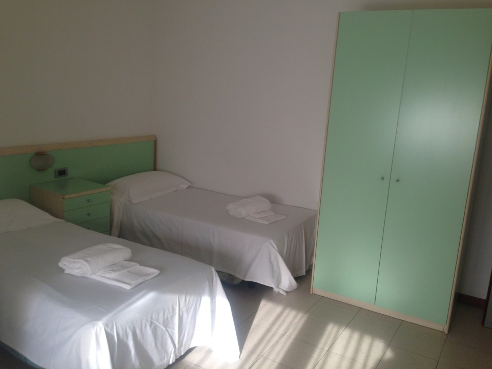 student apartments can have single or double bedrooms and 1-2 bathrooms; apartments are shared by 2-6 students, depending on size