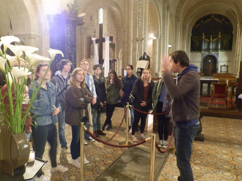 The Art History group in the medieval city of Lescar