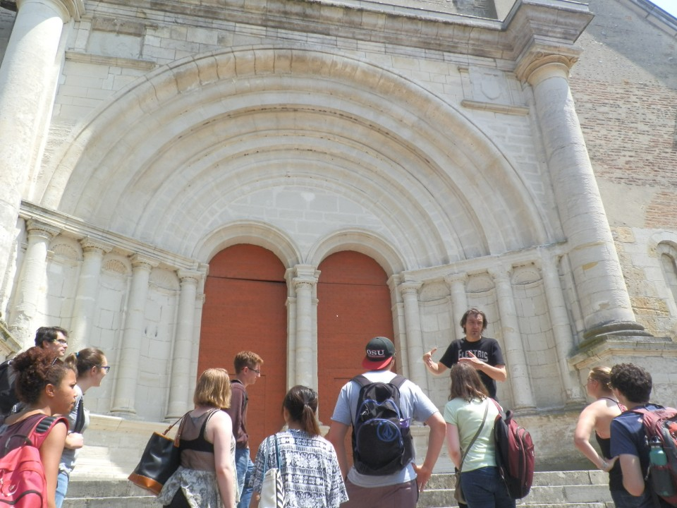 Guided tour of the cathedral of Lescar, a little medieval city in the region of Pau