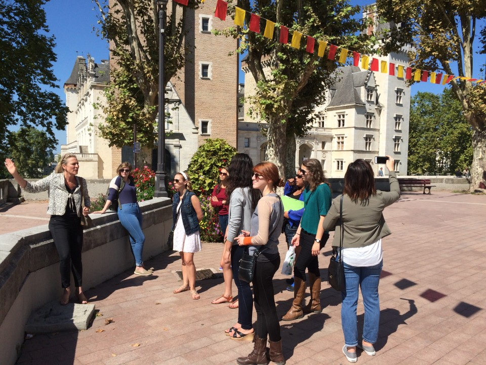 Guided tour of the historical center of Pau