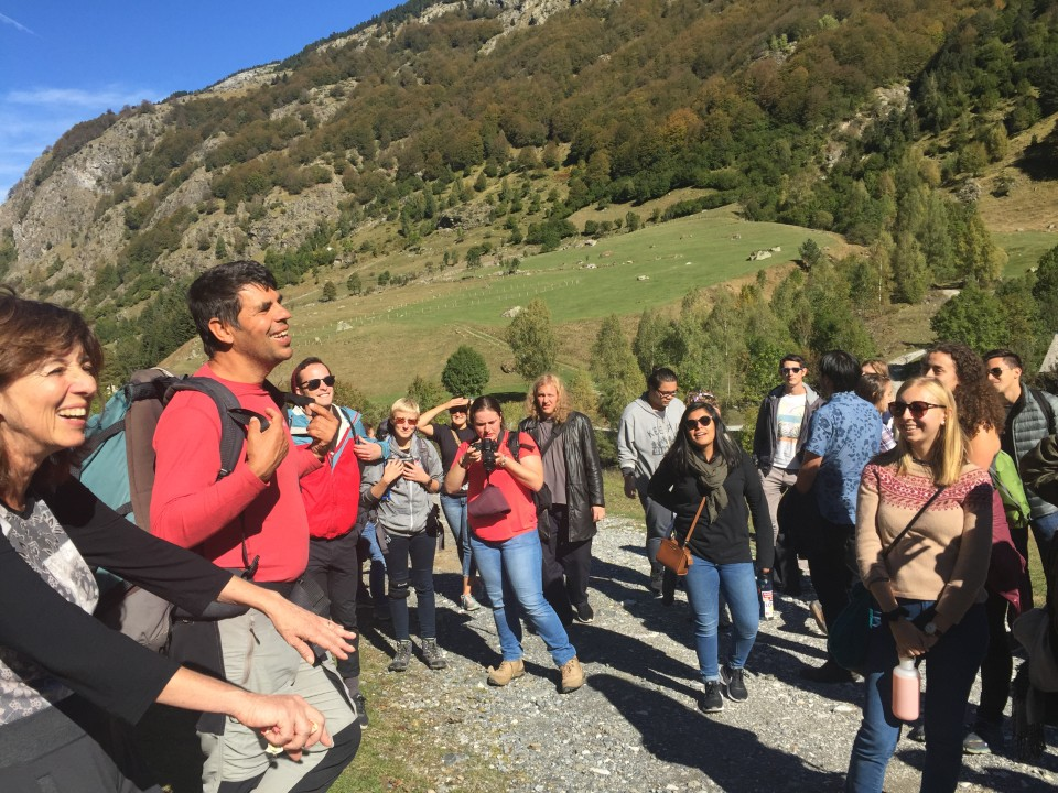 Our tour guide giving explanations about the Pyrenees moutains