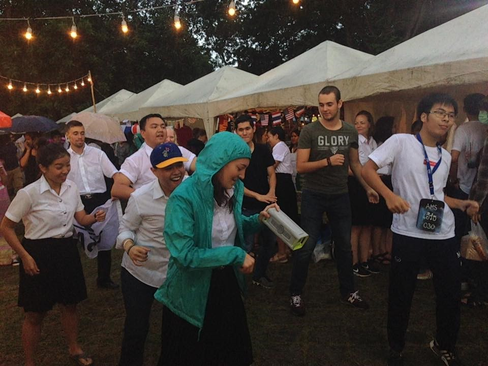 USAC students were dancing with Thai students in front of the USAC booth.