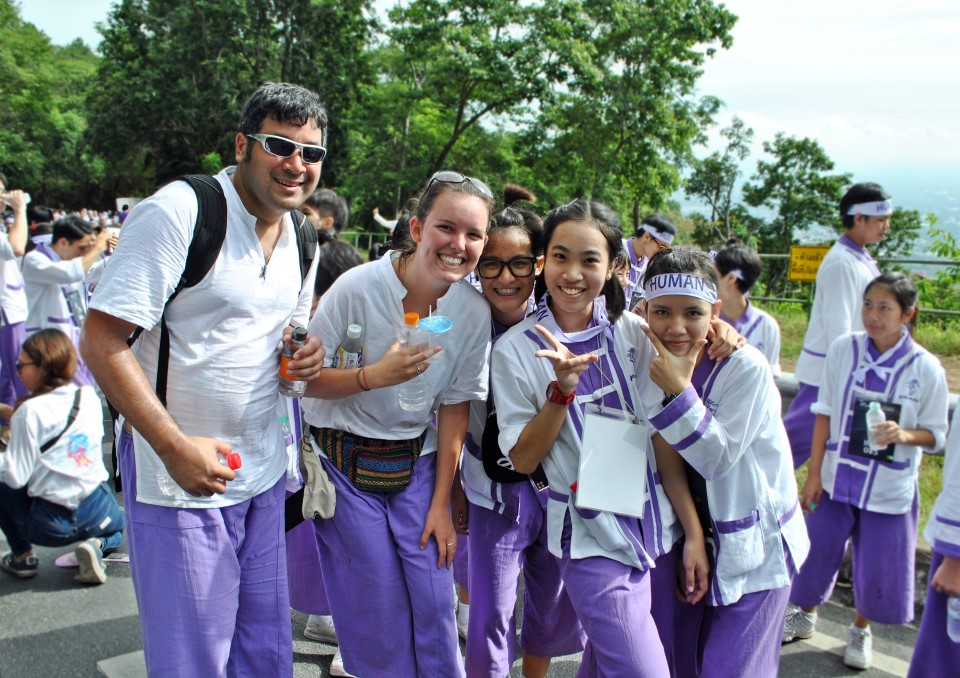 USAC students and local freshman do the traditional walk to Doi Suthep