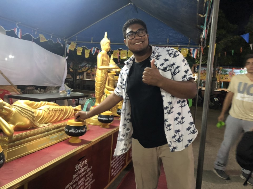 Students are invited to local festivals with Thai students