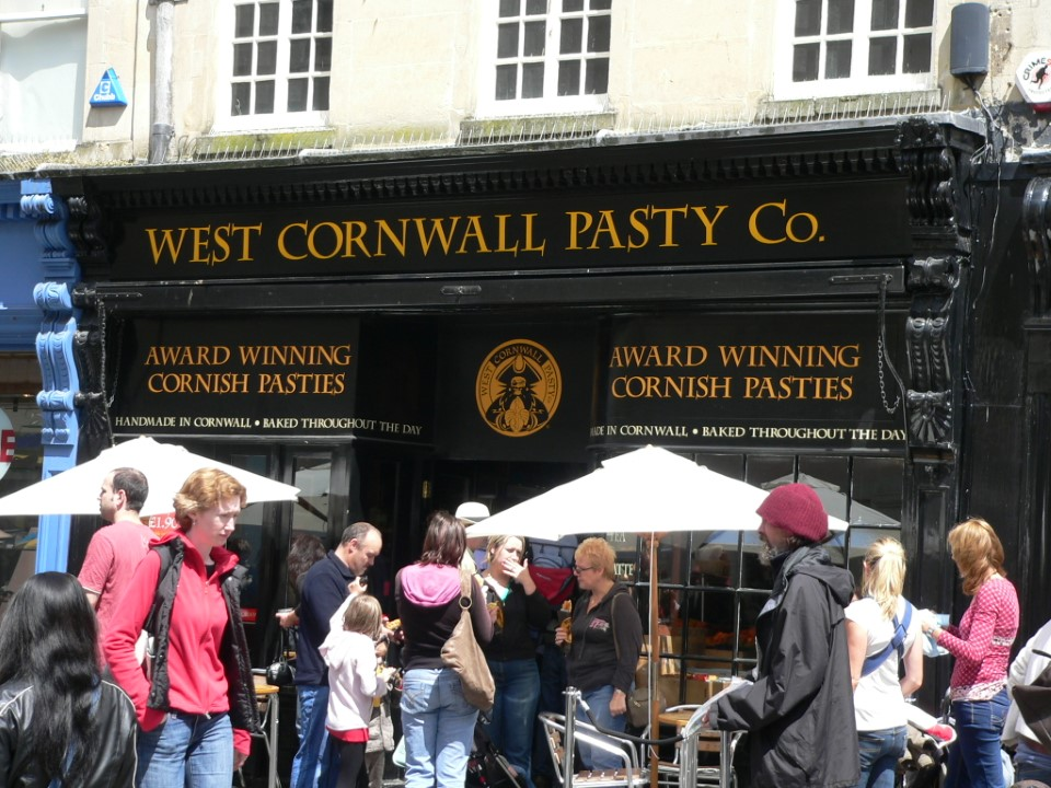 In Bath, you can grab a famous Cornwall pasty (a savory pastry stuffed with meat and potatoes) for lunch, which is a common type of food in this region