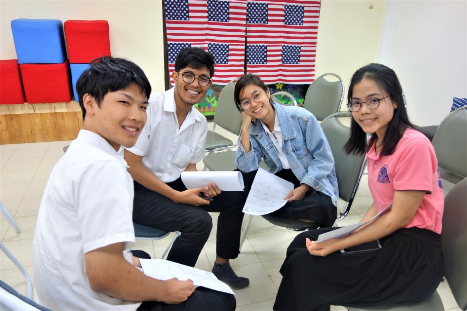 Students gather to practice English and Thai in the weekly Conversation Club.JPG