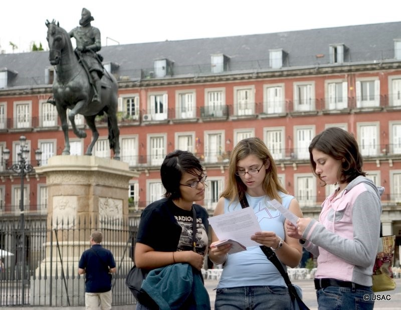 Orientation in Plaza Mayor
