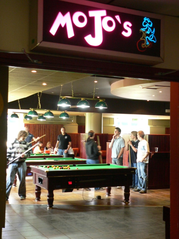 Many students spend their free time at MoJo's.