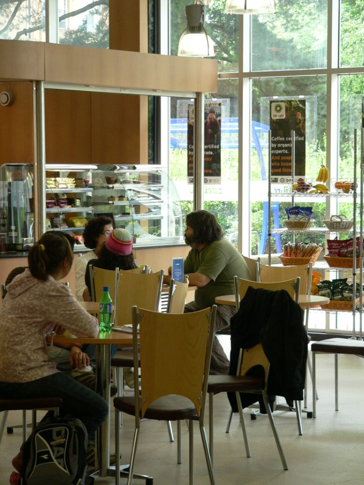 Whether you need a quick meal or want to take a break with your friends, stop by one of the many cafes around town.